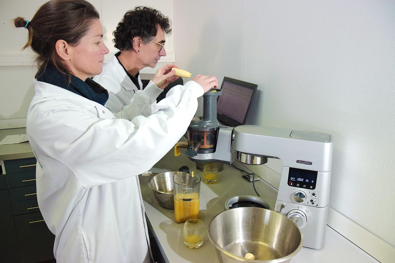 Création de jus : un service de R&D et une cuisine d'essai permettant des pré-séries industrielles pour tester vos marchés